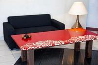 Table en lave décorée